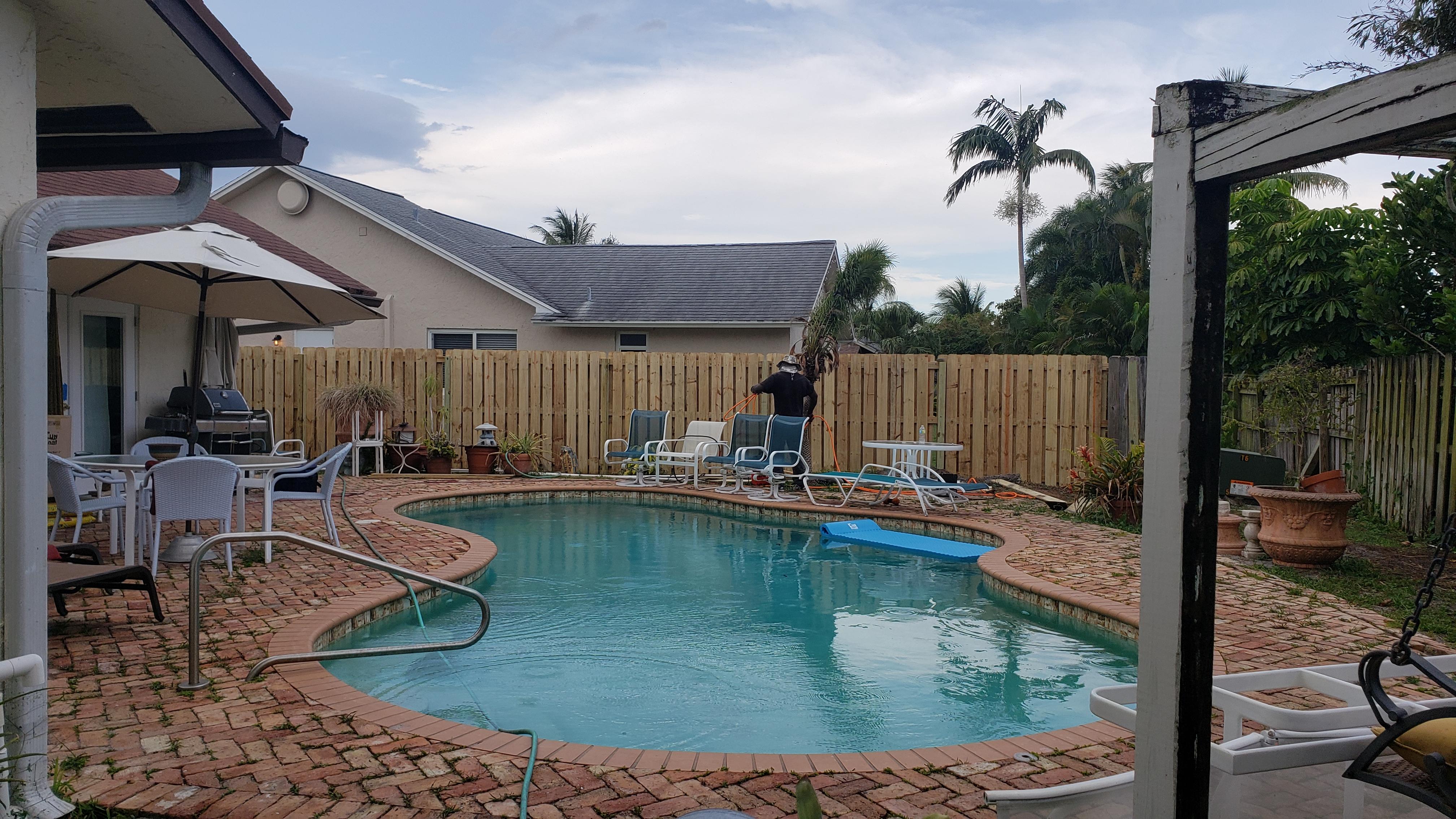 Houston pool fence installation experts